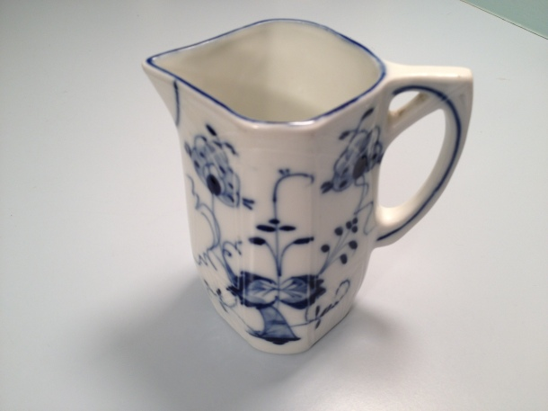 Also from the Saginaw Antique Warehouse, a German creamer, so pretty with a raised pattern and delicate blue painting. I'll use this to serve hot milk with coffee or true Michigan maple syrup with waffles!