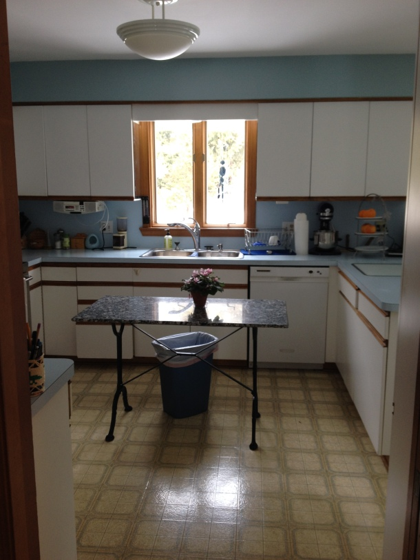 Old Kitchen Sink & Granite Table